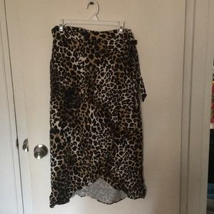 Leopard print midi wrap skirt NWT Abercrombie